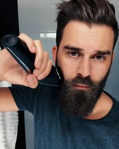 Beard Trimming Tutorial 💯🔝👊🔥 Beard beard and mustache trimmer Beard Styles For Men, Hair And Beard Styles, Men's Grooming, Cabelo David Beckham, Beard Tips, Beard Ideas, Beard Haircut, Beard Styles