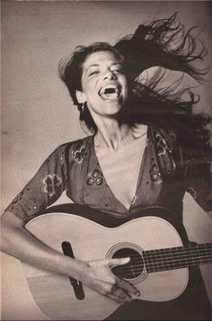 Happy 69th birthday to Carly Simon today 6/22/14.  She was a major musical influence on me growing up!