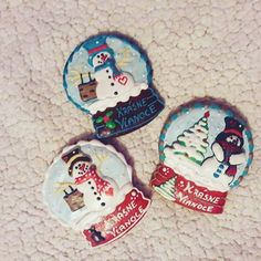 Medovníčky...snehové guličky 😊😍 #artfood #art  #medovniky #med #honeycake #honey #medovník #pernicky #pernik #gingerbread #pain #painting #cook #colors #color #christmastime #christmas #sneh #snehuliak #snowman #vianoce #christmasball