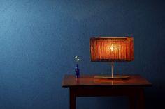 秋の夜長を演出する、和紙と金箔を織り込んだ「十六夜」ライト