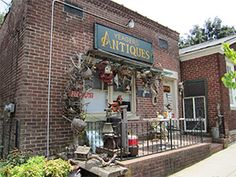 Yeager Antiques in Midway, Kentucky near Midway University