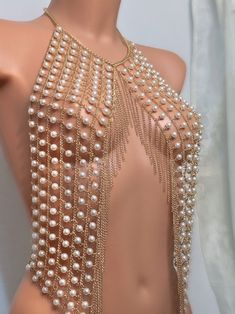 Pearl Body Necklace - Body jewelry - I am happy about the latest addition . - Pearl Body Necklace – I& happy about the latest addition to mine Pearl Body Ne - Bikini Jewelry, Body Chain Jewelry, Body Jewelry Shop, Halter Crop Top, Crop Top Bikini, Jóias Body Chains, Tiffany Jewelry, Body Necklace, Look Girl