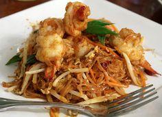 Tem um wok e não sabe como utilizá-lo? Que receitas preparar? Aqui ficam algumas receitas práticas e variadas para poder saboreare disfrutar, neste utensílio de cozinha muito prático e económico. 1. Lulas no Wok Ingredientes:
