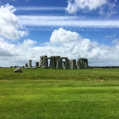Two types of stones are building Stonhenge: large sarsens and smaller bluestones. There are 83 stones in total 🔛 . Types Of Stones, Top Hotels, Stonehenge, Travel Photos, Monument Valley, Travelling, Travel Destinations, Tourism, Vacation