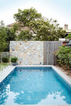 Inground tiny swimming pool in a small backyard that pick the best shape Part 10 Small Swimming Pools, Small Pools, Swimming Pool Designs, Backyard Pool Landscaping, Pool Fence, Pool Retaining Wall, Landscaping Rocks, Landscaping Design, Spas