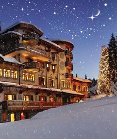 The Hôtel de Charme Les Airelles, Courchevel, France. One of Courchevel's five-star hotels. French Alps, French Countryside, Beautiful Hotels, Beautiful Places, Places Around The World, Around The Worlds, Monuments, French Ski Resorts, Tolle Hotels