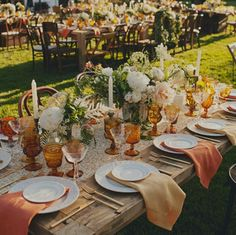 Garden party fall table settings New Ideas Thanksgiving Wedding, Rustic Thanksgiving, Autumn Wedding, Wedding Table, Wedding Decor, Wedding Ideas, Wedding Rustic, Trendy Wedding, Farm Wedding