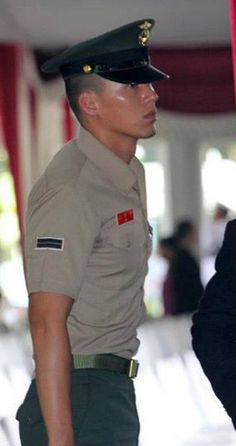 Hyun Bin... Only a few months to go ladies. End of December 2012 & he's a regular citizen again!  Yay!!!