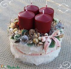 Christmas Flower Arrangements, Christmas Centerpieces, Table Centerpieces, Christmas Decorations, Table Decorations, Christmas And New Year, Winter Christmas, Christmas Time, Christmas Crafts