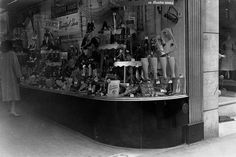 The Bata store at 239 Yonge Street on April 2, 1954, several months before its facelift. City of Toronto Archives.