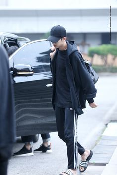 CHANYEOL on the way to KBS