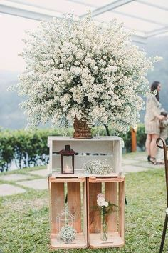 New Vintage Flowers Photography Classy Ideas Vintage Wedding Backdrop, Wedding Backdrop Design, Vintage Wedding Centerpieces, Wedding Ceremony Backdrop, Diy Centerpieces, Vintage Party Decorations, Wedding Decorations, Pallet Backdrop, Vintage Christmas Images