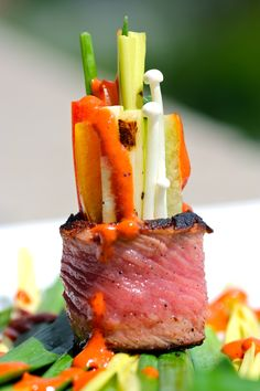ROLLITO DE SOLOMILLO CON VERDURAS Y SALSA CHIMICHURRI (blackened strip steak) #recetas #recipes