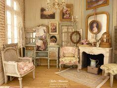 Atelier miniatures by Lea Vitrine Miniature, Miniature Rooms, Miniature Houses, Miniature Furniture, Dollhouse Furniture, Pink Dollhouse, Dollhouse Miniatures, Doll House Crafts, Doll Houses