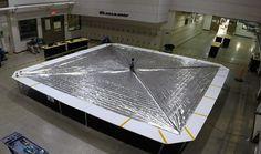 Tähdet ja avaruus: Harrastajien rahoittama aurinkopurje avautui laboratoriossa