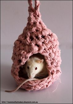 Have a mouse? make her a house! Visit KnitHacker for the link to free pattern & instructions for how to make the yarn ...