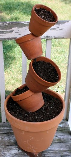 flower pots outdoor Pots On Pot Stacker Clay Flower Pots, Flower Pot Crafts, Clay Pot Crafts, Clay Pots, Diy Flower, Garden Crafts, Diy Garden Decor, Garden Projects, Garden Ideas