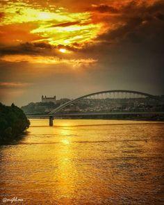 Sunset over Bratislava, Slovakia - Beautiful places for vacation and trip. Bratislava Slovakia, Sydney Harbour Bridge, Sunsets, Photo S, Travel Photography, Beautiful Places, Castle, Europe, Vacation