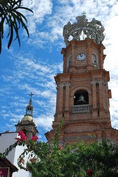 Puerta Vallarta. Beautiful pink church.