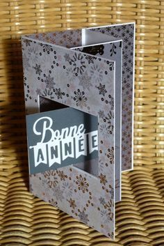 Carte-fenêtre2 tutoriel Fancy Fold Cards, Folded Cards, Pop Up Cards, Christmas Cards, Tarjetas Pop Up, Origami And Quilling, Diy And Crafts, Paper Crafts, Mini Albums Scrap