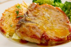 Honey Mustard Pork Chops are quick and easy to prepare. Get Honey Mustard Pork Chops Recipe and prepare that tasty meal. Use these easy steps Seared Pork Chops, Juicy Pork Chops, Pork Loin Chops, Mustard Sauce For Pork, Honey Mustard Pork Chops, Mexican Beef Casserole, Sauce Pour Porc, Pork Recipes, Gastronomia