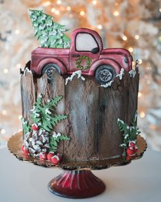 A fabulous Christmas cake: truck fetching the Christmas tree scene and a log of chocolate. Fondant Christmas Cake, Christmas Themed Cake, Christmas Cake Designs, Christmas Cake Topper, Christmas Cup, Christmas Truck, Christmas Themes, Christmas Cakes, Christmas Recipes