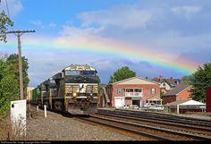 RailPictures.Net Photo: NS 7540 Norfolk Southern GE ES44DC at Latrobe, Pennsylvania by Adam Klimchock