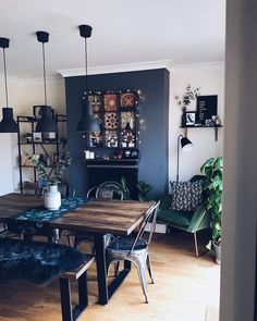 Best Cozy Rustic Dining Room Decor Ideas You May Love - Diaror Diary - Page 9 ♥ 𝕴𝖋 𝖀 𝕷𝖎𝖐𝖊, 𝕱𝖔𝖑𝖑𝖔𝖜 𝖀𝖘!♥ Diaror Diary ♥ room ideas rustic Best Cozy Rustic Dining Room Decor Ideas You May Love - Page 9 of 70 - Diaror Diary Dining Room Blue, Dining Room Walls, Dining Room Design, Room Chairs, Home Living Room, Living Room Decor, Room Interior, Room Inspiration, Home Decor