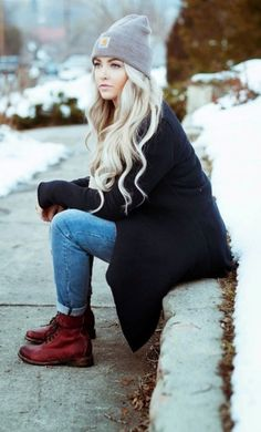 The colors, the warm sweaters and cardigans, all types of boots, and the comfy feel of cute fall outfits. So, try the above combinations and welcome the