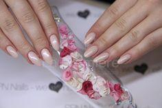Gel Nail. Acryl flowers