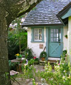 Cottage with Dutch Door