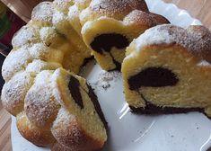 Nejlepší bábovka, co znám! recept - TopRecepty.cz Doughnut, Food And Drink, Desserts, Tailgate Desserts, Deserts, Postres, Dessert, Plated Desserts