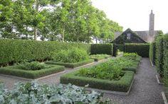 quincy hammond watermill garden rose garden, boxwood surrounding plantings