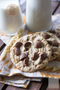 Giant Reese's Peanut Butter Cookies // These giant-sized cookies are a peanut butter lovers dream. Made with Resse's Peanut Butter Cups, peanut butter AND chocolate chips - these will be eaten before they've cooled! | Tried and Tasty