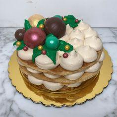 tarta de turrón Cupcakes, Desserts, Food, Fondant Cakes, Lolly Cake, Candy Stations, Tailgate Desserts, Cupcake Cakes, Essen