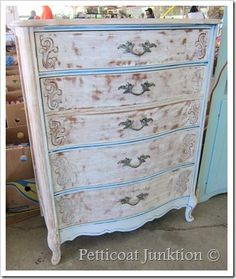 shabby painted chest of drawers