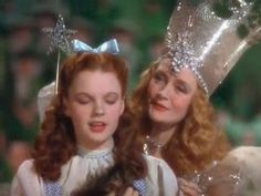 Judy Garland in Wizard of Oz. and the Good witch Glenda. Crochet Quotes, Crochet Humor, Loki, Billy Burke, Wizard Of Oz 1939, Wizard Of Oz Movie, Glinda The Good Witch, Wicked Witch, Knitting Humor