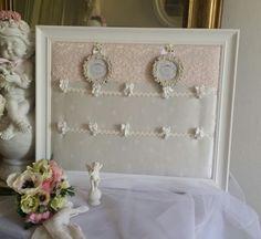 Plan de table mariage blanc et rose poudré, style shabby chic et romantique dans la collection Wedding : Décorations murales par les-intemporels