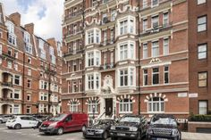 2 bedroom flat to rent Iverna Court, London, W8 £850 pw| £3,683 pcm