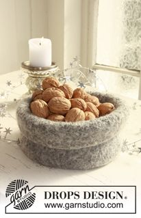 Felted - Free knitting patterns and crochet patterns by DROPS Design Drops Patterns, Felt Patterns, Knitting Patterns Free, Free Knitting, Free Pattern, Knitting Ideas, Knitting Projects, Diy Crochet Basket, Knit Basket