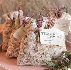 Burlap & lace wedding favours have us dreaming of garden parties, tea cups, Downton Abbey and fascinators ♥