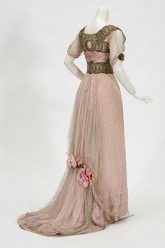 Debutante's floor-length evening gown with short train, 1910-1912