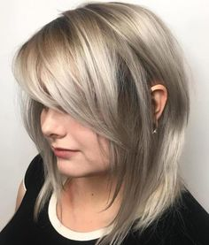 Long Bob Side Bangs Pony Schicht Bob Hairstyles 2018 - Short Hairstyles for Women Long Bob With Bangs, Long Side Bangs, Side Swept Bangs, Medium Length Hair With Layers And Side Bangs, Side Bangs Bob, Long Bob Haircut With Layers, Side Sweeping Bangs, Side Part Bangs, Shoulder Length Hair With Bangs