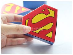 Whole sale 100 Pcs Wedding Box Wedding Superman Candy Box 8cm*8.7cm Cardboard Candy Bag Gift Boxes Personalized Wedding Favors