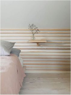 Dinesen Country Home in Jels Dinesen Country Home: The wallcovering and the bed are a Dinesen custom made, the bedding comes from Georg Jensen Damask and Liberty. Rue Verte, Thatched House, Kallax, Wall Cladding, Light Oak, Jelsa, Wall Treatments, Architect Design, Damask