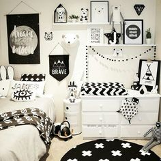 Monochrome kids room with lots of prints Monochr Baby Boy Rooms, Little Girl Rooms, Room Baby, Girls Bedroom, Bedroom Decor, Bedroom Ideas, Baby Room Colors, My New Room, Kids Room