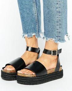 Sandalias con diseño grueso en dos partes FERGIE de ASOS
