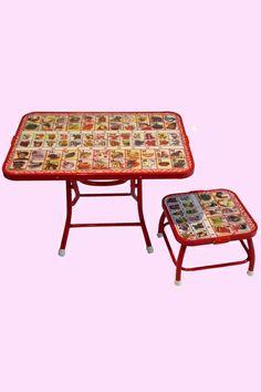 petite table et tabouret alphabet français et hindi Antoine et Lili