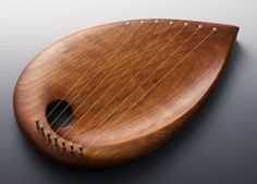 beautifully crafted pentatonic children's lyre by the voss family. quite a few rudolph steiner-inspired works on their site.