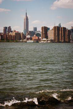 christelle is flabbergasting : blog de recettes de cuisine, bonnes adresses à Montréal: J'ai vu New York, New York USAAA ! {+ guide et carte des bonnes adresses} Voyage New York, Brooklyn, Nyc, American Life, Picture Quotes, New York Skyline, Places, Summer, Travel